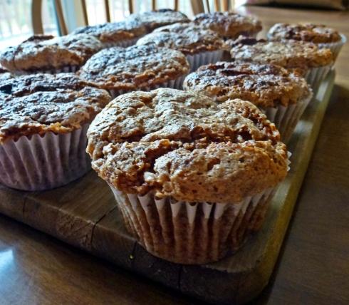 cinnamon streusal cupcake