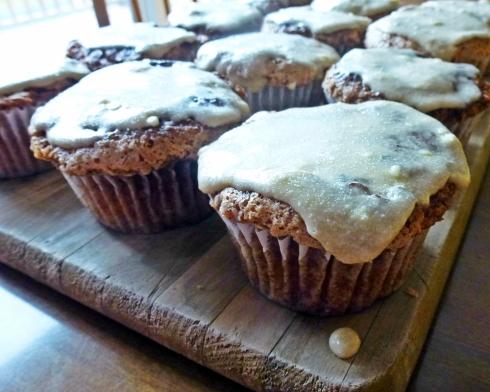 cinnamon streusal cupcakes